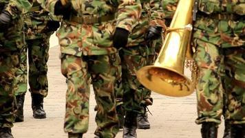 police et ordre militaire loi d'urgence soldat surveillance crime de sécurité 4k hd video