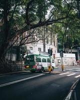 Hong Kong, China 2019- autobús público en las calles de Hong Kong foto