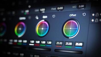 herramientas de gradación de color o indicador de corrección de color rgb en el monitor foto