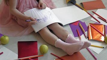 Little Girl Draws Flowers video