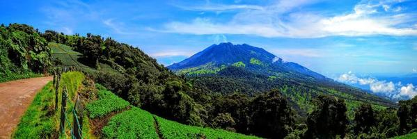 Volcán Turrialba activo en Costa Rica foto