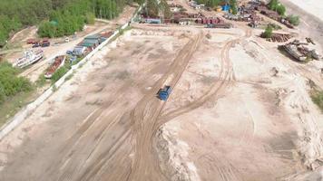 ouvriers de carrière de sable video