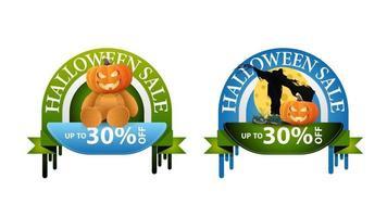 venta de halloween, -30 de descuento, dos pancartas redondas de descuento con osito de peluche con cabeza de calabaza y espantapájaros vector
