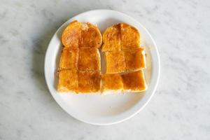 natillas con pan tostado foto