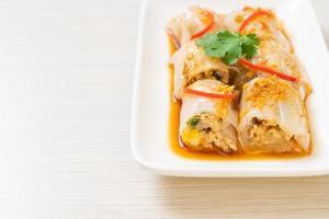 rollos de fideos de arroz al vapor chino foto