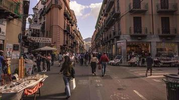 Time Lapse of Via Maqueda in Palermo Crossing video