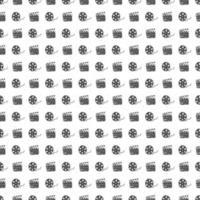 cinta de cine, carrete de película y claqueta vintage de patrones sin fisuras, boceto dibujado a mano, cine retro y industria cinematográfica, ilustración vectorial vector