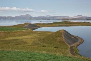 pseudo cráter cerca de skutustadir y el lago myvatn, Islandia foto