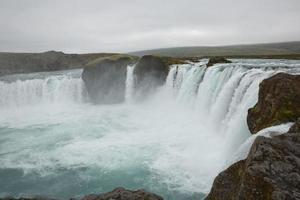 la cascada de godafoss, islandia foto