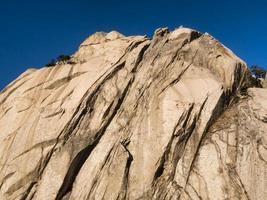 Big Rock en las montañas del Parque Nacional de Seoraksan. Corea del Sur foto
