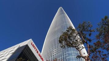 lotte world tower en la ciudad de seúl, corea del sur foto