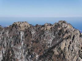 paisaje en el parque nacional de seoraksan, corea del sur foto