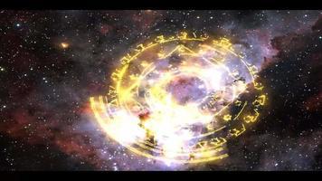 magische ster paarse energie roteert langzaam verschijnt op de achtergrond van de ruimtenevel video