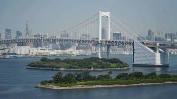 beau pont arc-en-ciel à tokyo, japon video