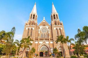 Catedral de Santa María en Yangon en Myanmar foto