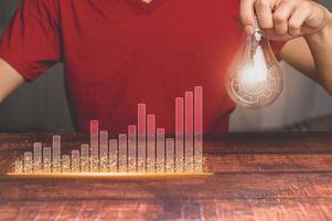 concepto de gente de negocios que invierte en acciones y el crecimiento de los ingresos ilustración 3d foto