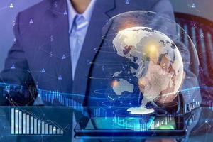 los negocios financieros y el crecimiento del dinero mundial. foto