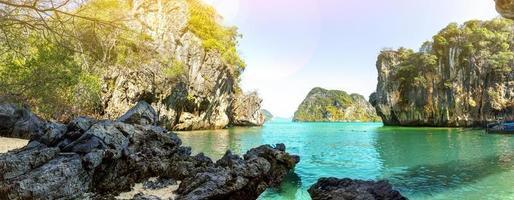 Agua azul en Lao Lading Island, provincia de Krabi, Tailandia-paraíso foto