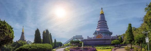 Parque Nacional Doi Inthanon Phra Mahathat Naphamethanadon y Naphaphon Provincia de Phumomsiri, Provincia de Chiang Mai de Tailandia Guardia foto