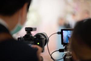 cámara de video con fondo borroso foto
