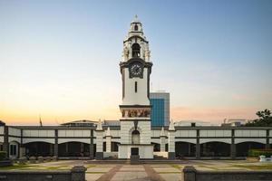 Torre del reloj memorial de abedul en Ipoh, Malasia foto
