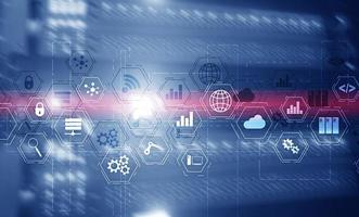 concepto de tecnología industrial. pantalla virtual de medios mixtos. fabricación informática inalámbrica tecnología futura sala de servidores foto