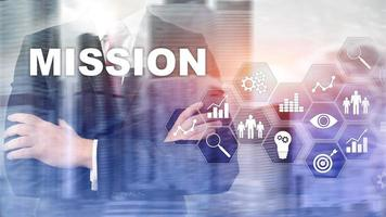 concepto de negocio de misión. concepto de gráfico de éxito financiero en pantalla virtual. conocimiento de los negocios abstractos. foto