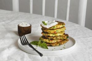 composición de una comida saludable en la mesa foto