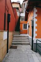 Arquitectura de escaleras en la calle, Bilbao, España foto