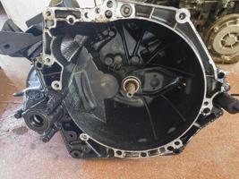 explosión del bloque del motor en mantenimiento foto