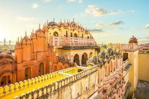 Hawa Mahal también conocido como palacio de los vientos en Jaipur, India foto