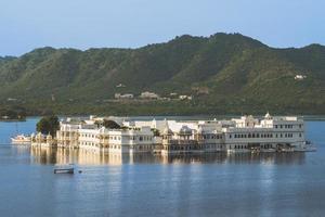 Lake Palace in Udaipur, Rajasthan, India photo