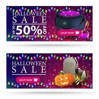 venta de halloween, hasta 50 de descuento, banners web de descuento horizontales morados con caldero de brujas con poción, lápida y calabaza vector