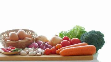 alimentos saudáveis vegetais closeup vídeo hd 4k video