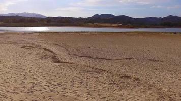 praia e montanhas do sul da sardegna video