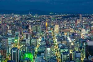 vista nocturna de nagoya en japón foto