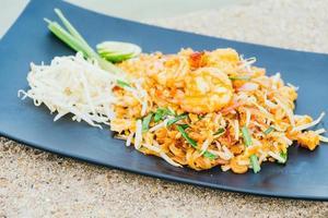 Pad thai noodles photo