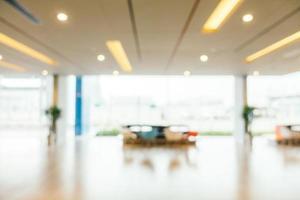Desenfoque abstracto interior del vestíbulo del hotel hermoso y de lujo foto
