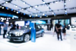 Desenfoque abstracto y exposición de automóviles y motores desenfocados. foto
