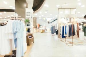 Desenfoque abstracto y centro comercial de lujo desenfocado del interior de los grandes almacenes para el fondo foto
