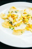 pasta ravioles con calabaza y queso foto