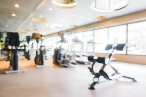 Desenfoque abstracto y equipo deportivo desenfocado de gimnasio y fitness foto