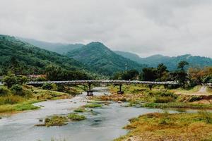 La aldea de kiriwong es una de las mejores aldeas de aire fresco de Tailandia y vive en la antigua cultura de estilo tailandés ubicada en nakhon si thammarat, tailandia foto