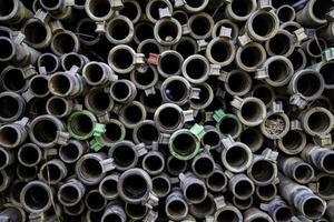 tubos de construcción en una construcción foto