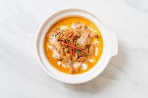 panang curry con cerdo foto
