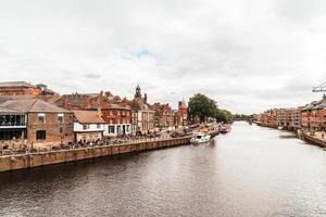Ciudad de York con el río Ouse en York, Reino Unido foto