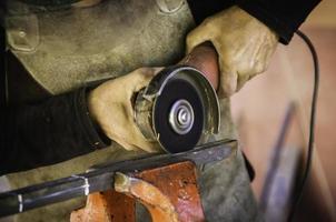 sierra circular para la construcción foto