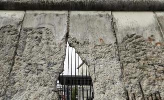 restos del muro de berlín foto