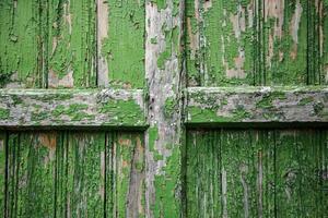 pared de madera pintada de verde foto