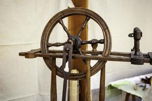 Spinning wheel old photo